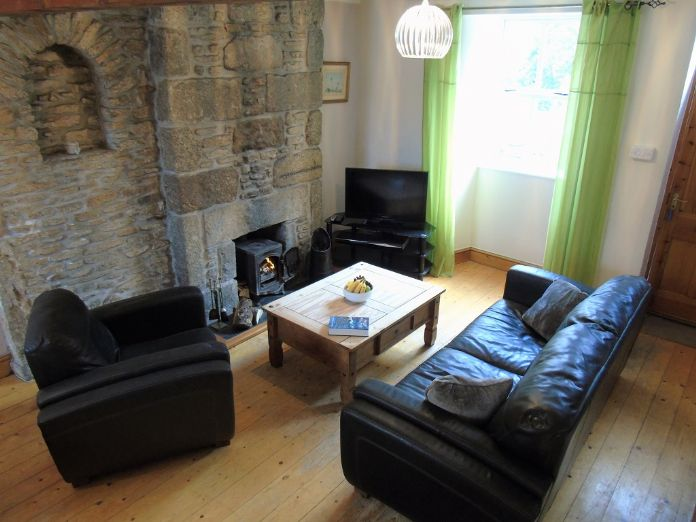 Terraced, House, 2 bedroom Property for sale in St Just, Cornwall for £190,000, view photo 5.