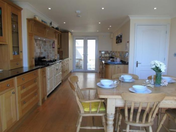 Detached Bungalow, 3 bedroom Property for sale in Newlyn, Cornwall for £400,000, view photo 6.
