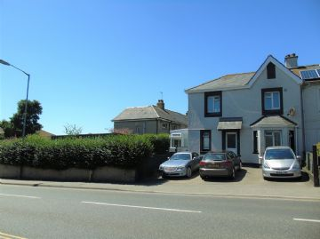 End of Terrace for sale in Penzance: Penalverne Drive, Penzance, Cornwall TR18 2RF, £220,000