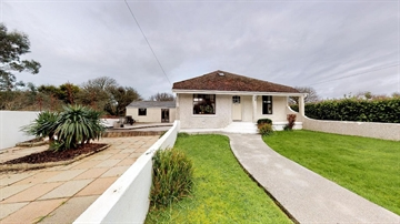Detached Bungalow for sale in Goldsithney: Trescowe Road, Goldsithney, Penzance, Cornwall TR20 9HR, £460,000