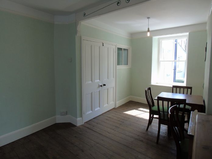 Terraced, House, 2 bedroom Property for sale in Penzance, Cornwall for £220,000, view photo 2.