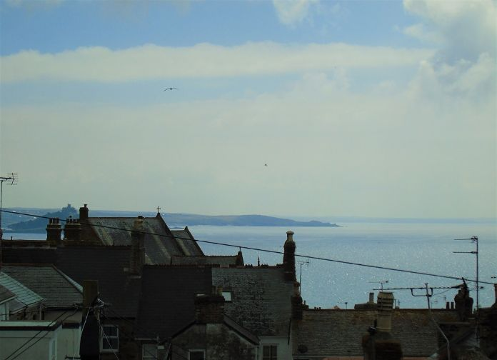 Terraced, House, 2 bedroom Property for sale in Penzance, Cornwall for £220,000, view photo 3.