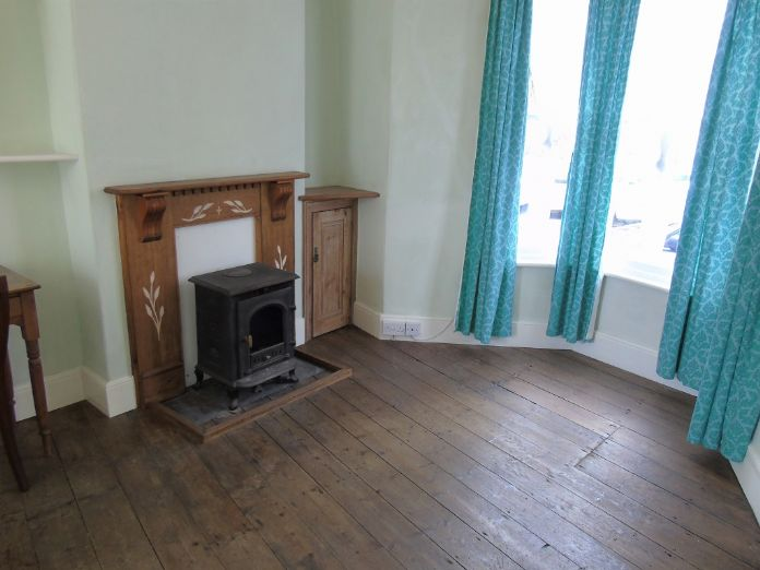 Terraced, House, 2 bedroom Property for sale in Penzance, Cornwall for £220,000, view photo 6.