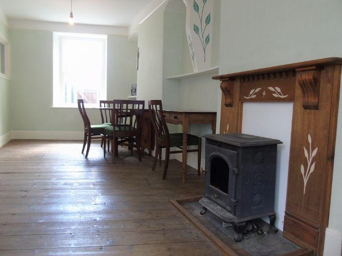 Terraced, House, 2 bedroom Property for sale in Penzance, Cornwall for £220,000, view photo 7.