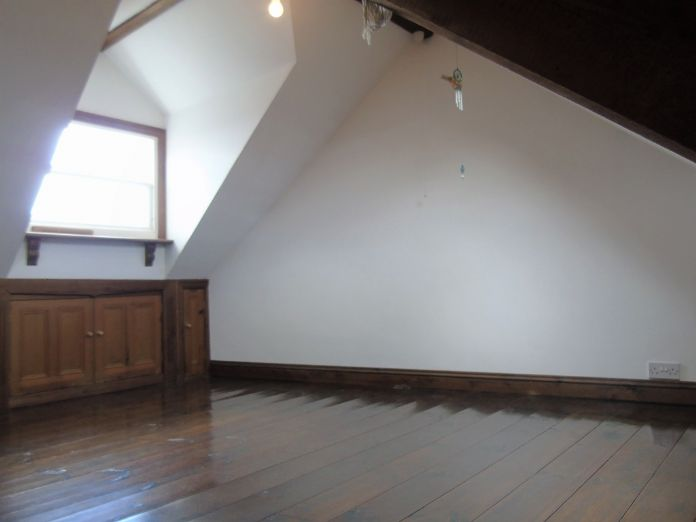 Terraced, House, 2 bedroom Property for sale in Penzance, Cornwall for £220,000, view photo 16.