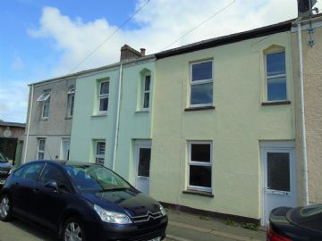 Terraced, House for sale in Camborne: Cliff View Terrace, Camborne, Cornwall.  TR14 8PZ, £100,000