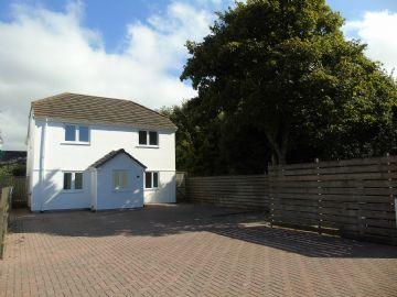 Detached House for sale in Rosudgeon: 2 The Palms, Helston Road, Rosudgeon, Penzance, Cornwall TR20 9AJ, £350,000