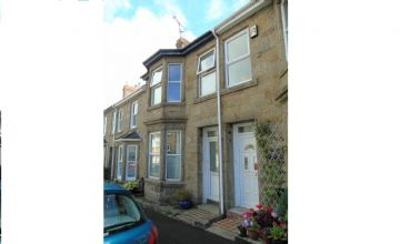 Terraced, House for sale in Penzance: York Street, Penzance, Cornwall TR18 2PW, £200,000