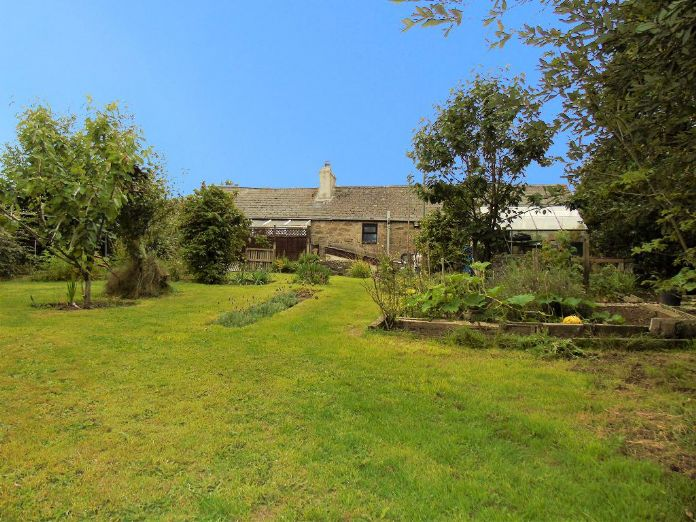 Semi Detached House, 3 bedroom Property for sale in Heamoor, Cornwall for £210,000, view photo 4.