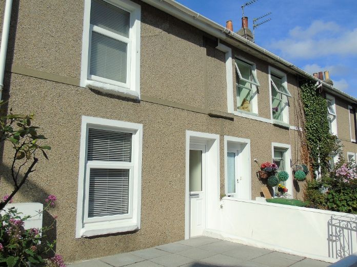 Terraced, House, 3 bedroom Property for sale in Penzance, Cornwall for £170,000, view photo 1.