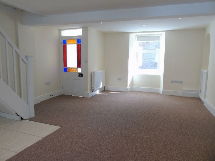Terraced, House, 3 bedroom Property for sale in Penzance, Cornwall for £170,000, view photo 2.