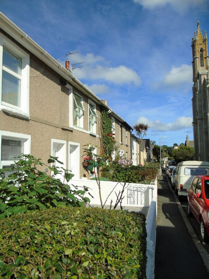 Terraced, House, 3 bedroom Property for sale in Penzance, Cornwall for £170,000, view photo 5.