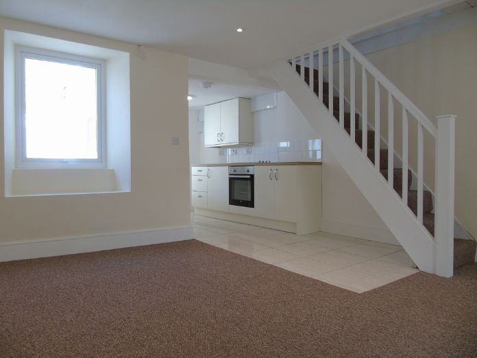 Terraced, House, 3 bedroom Property for sale in Penzance, Cornwall for £170,000, view photo 6.