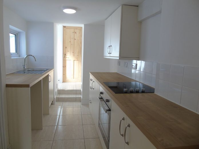 Terraced, House, 3 bedroom Property for sale in Penzance, Cornwall for £170,000, view photo 8.