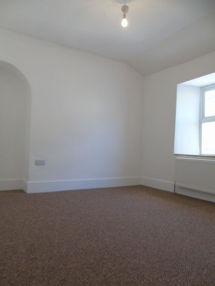 Terraced, House, 3 bedroom Property for sale in Penzance, Cornwall for £170,000, view photo 16.