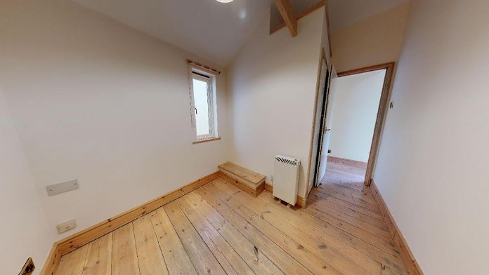 Maisonette, 3 bedroom Property for sale in Penzance, Cornwall for £150,000, view photo 6.