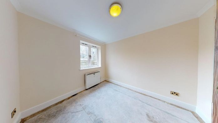 Maisonette, 3 bedroom Property for sale in Penzance, Cornwall for £150,000, view photo 10.