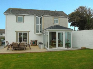 Detached House, With Annexe for sale in St Ives: Alexandra Road, St Ives. TR26 1ER, £425,000
