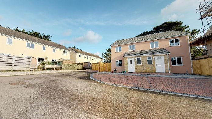 End of Terrace, House, 3 bedroom Property for sale in Crowlas, Cornwall for £220,000, view photo 1.