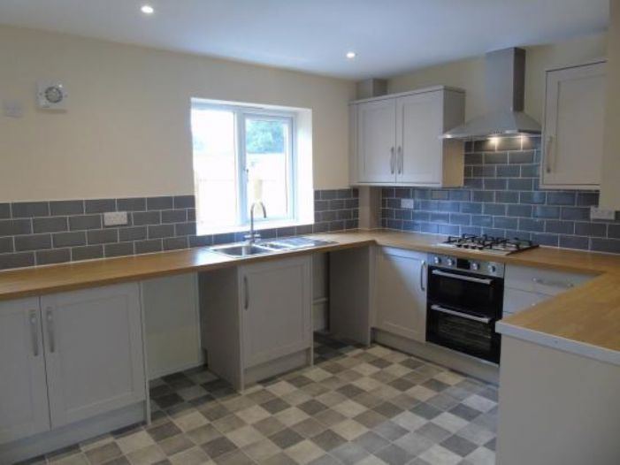 End of Terrace, House, 3 bedroom Property for sale in Penzance, Cornwall for £220,000, view photo 14.