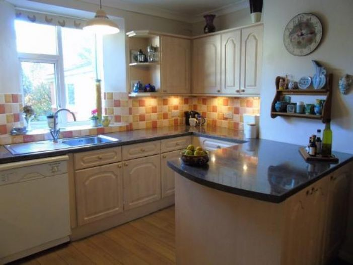 Terraced, 3 bedroom Property for sale in , Cornwall for £370,000, view photo 7.