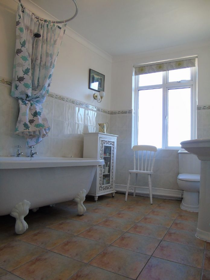 Terraced, 3 bedroom Property for sale in , Cornwall for £370,000, view photo 11.