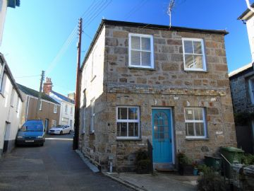 Semi Detached House for sale in Newlyn: Jack Lane, Newlyn, Penzance, Cornwall TR18 5HZ, £170,000