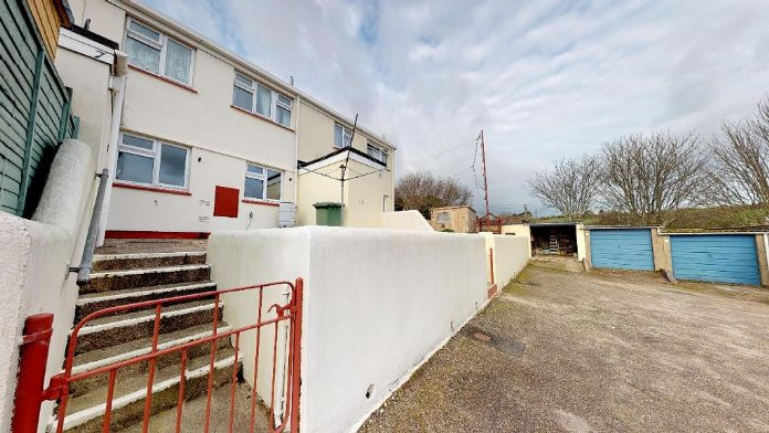 Terraced, House, 2 bedroom Property for sale in Ludgvan, Cornwall for £175,000, view photo 2.