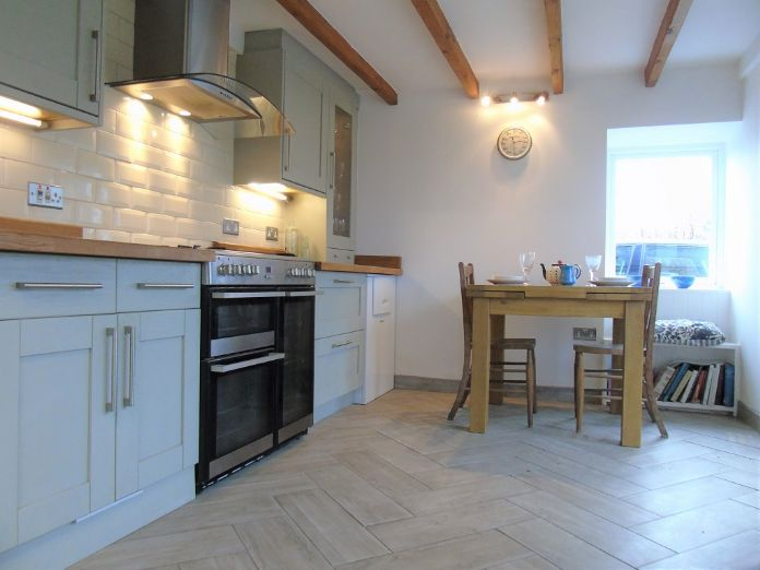 Detached House, House, 4 bedroom Property for sale in Penzance, Cornwall for £480,000, view photo 3.