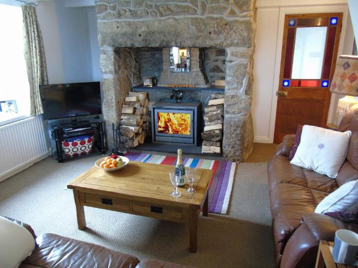 Detached House, House, 4 bedroom Property for sale in Penzance, Cornwall for £480,000, view photo 6.