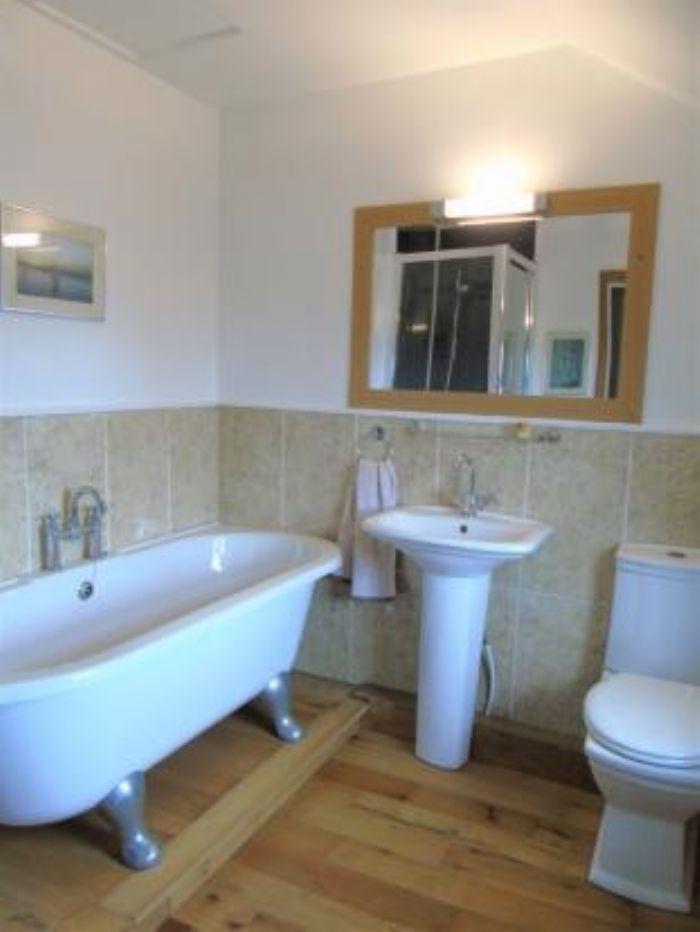Detached House, House, 4 bedroom Property for sale in Penzance, Cornwall for £480,000, view photo 14.