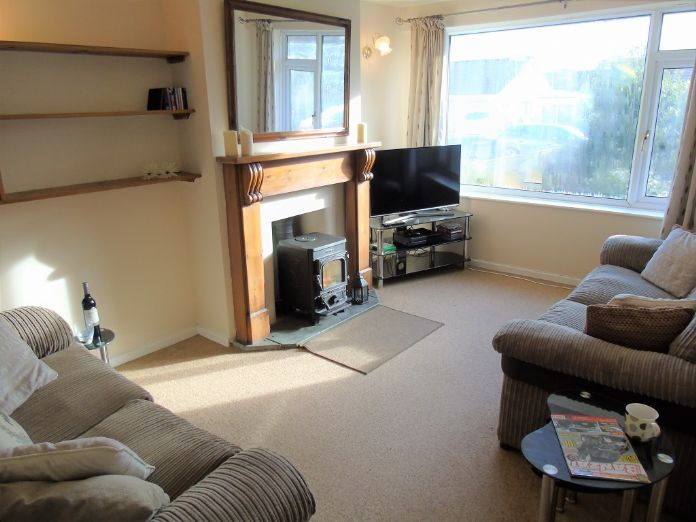 Semi Detached Bungalow, 2 bedroom Property for sale in Redruth, Cornwall for £200,000, view photo 2.