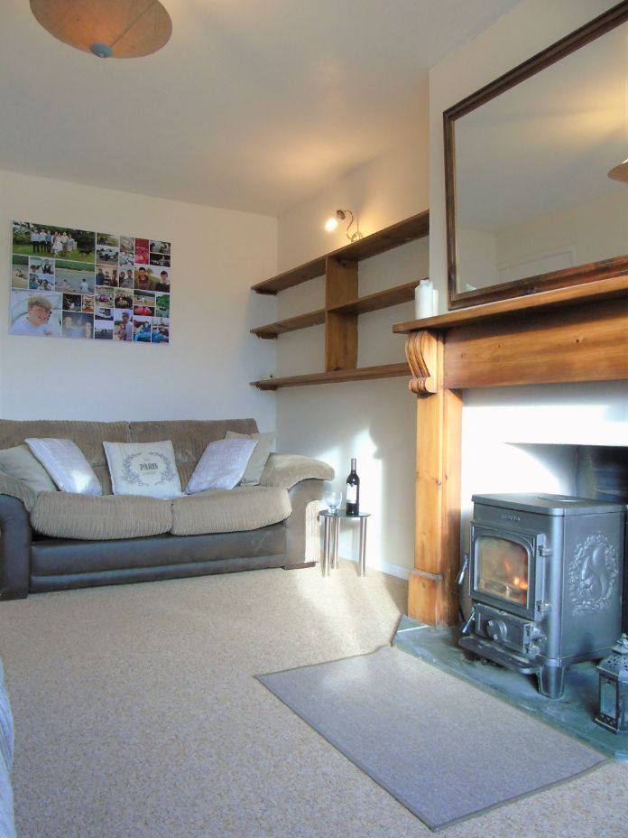 Semi Detached Bungalow, 2 bedroom Property for sale in Redruth, Cornwall for £200,000, view photo 3.
