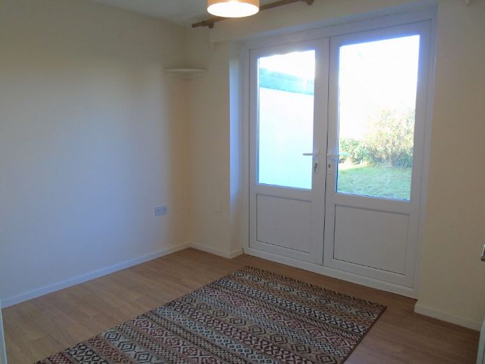 Semi Detached Bungalow, 2 bedroom Property for sale in Redruth, Cornwall for £200,000, view photo 11.