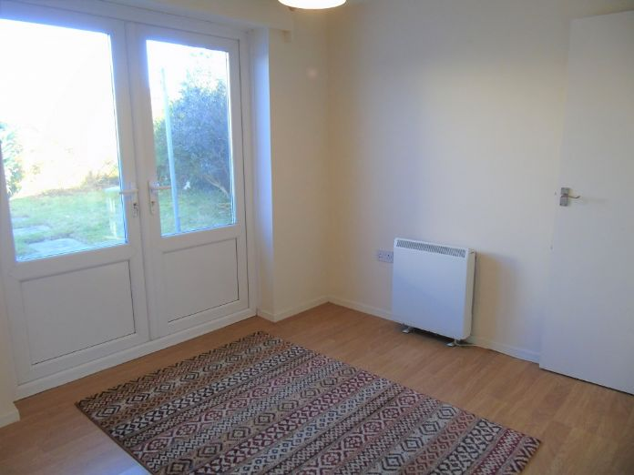 Semi Detached Bungalow, 2 bedroom Property for sale in Redruth, Cornwall for £200,000, view photo 12.