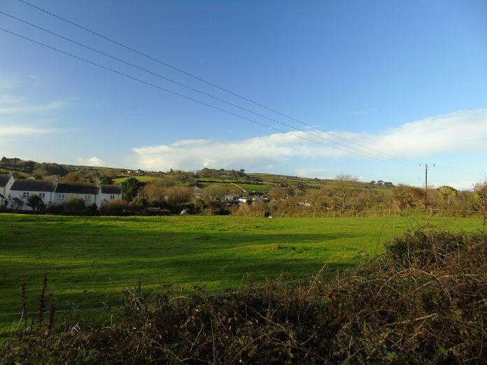 Semi Detached Bungalow, 2 bedroom Property for sale in Redruth, Cornwall for £200,000, view photo 14.