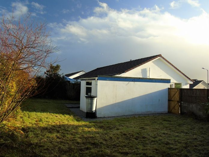 Semi Detached Bungalow, 2 bedroom Property for sale in Redruth, Cornwall for £200,000, view photo 15.