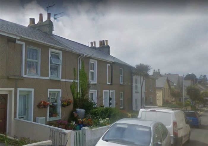 Terraced, House, 3 bedroom Property for sale in Penzance, Cornwall for £140,000, view photo 1.