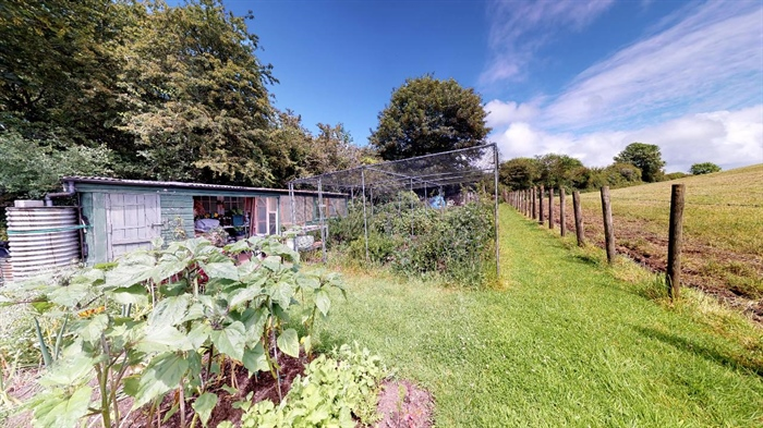 End of Terrace, House, 2 bedroom Property for sale in Lamorna, Cornwall for £375,000, view photo 33.