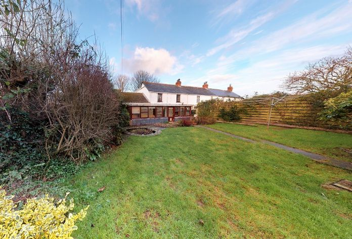 End of Terrace, House, 4 bedroom Property for sale in Rosudgeon, Cornwall for £325,000, view photo 1.