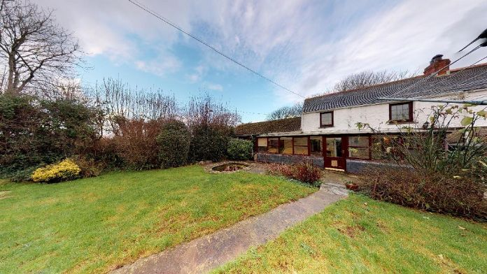 End of Terrace, House, 4 bedroom Property for sale in Rosudgeon, Cornwall for £325,000, view photo 19.