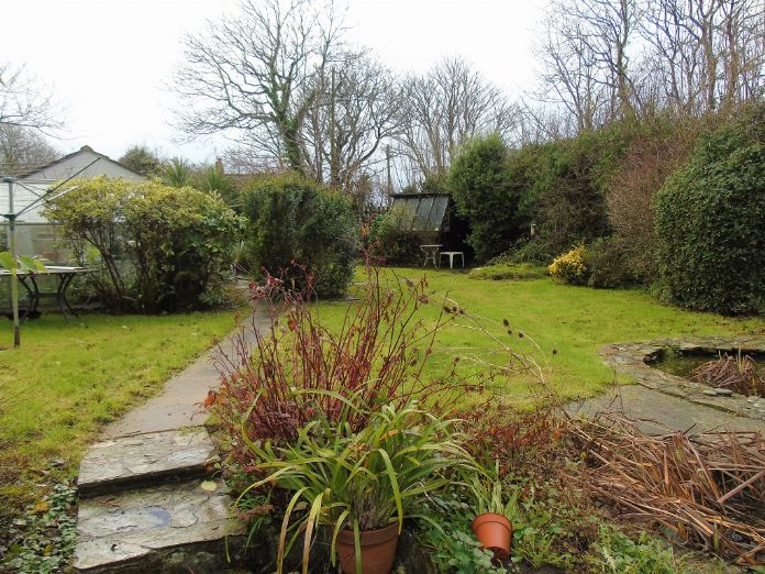 End of Terrace, House, 4 bedroom Property for sale in Rosudgeon, Cornwall for £325,000, view photo 21.