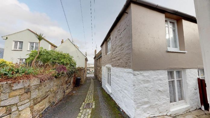 Semi Detached House, 2 bedroom Property for sale in Newlyn, Cornwall for £250,000, view photo 3.