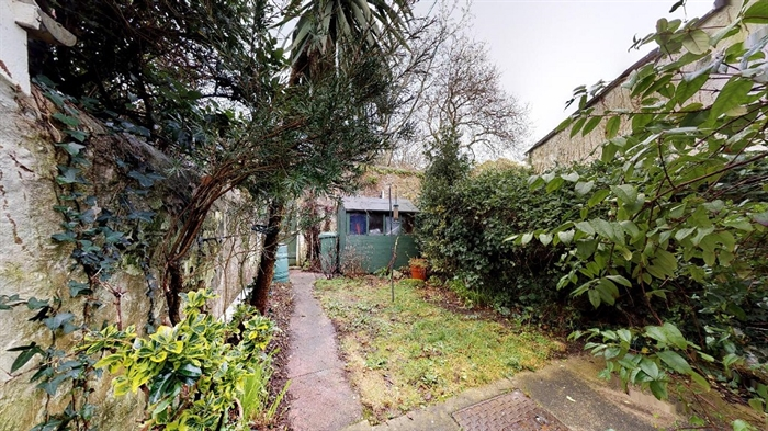 Terraced, 2 bedroom Property for sale in Penzance, Cornwall for £180,000, view photo 2.