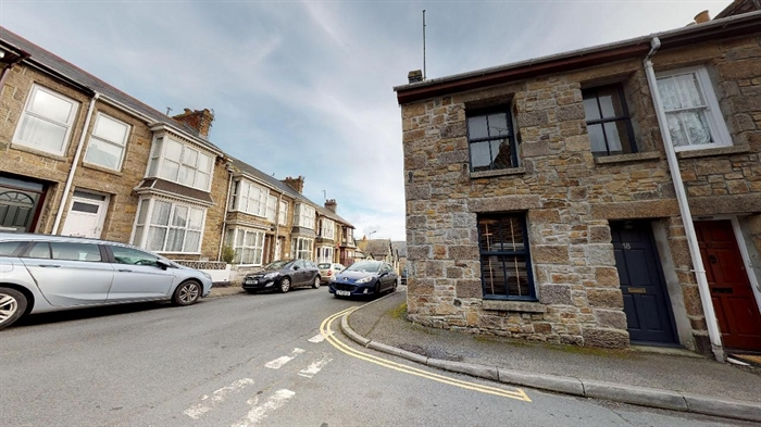 Terraced, House, 2 bedroom Property for sale in Penzance, Cornwall for £170,000, view photo 1.