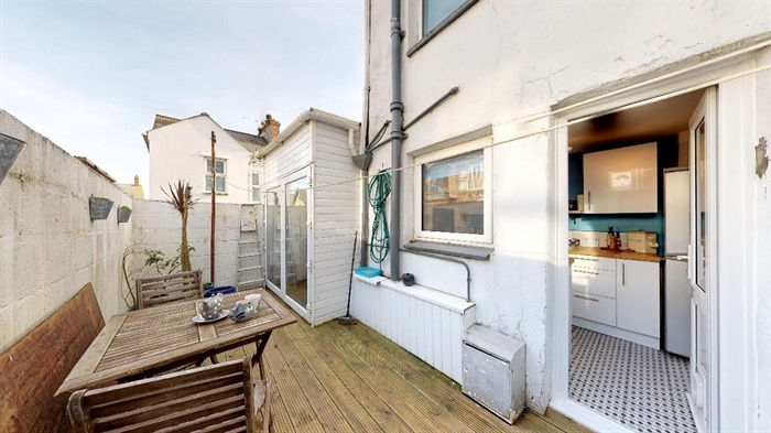 Terraced, House, 2 bedroom Property for sale in Penzance, Cornwall for £170,000, view photo 10.