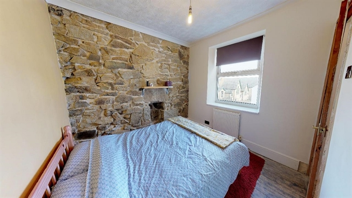 Terraced, House, 2 bedroom Property for sale in Penzance, Cornwall for £170,000, view photo 13.