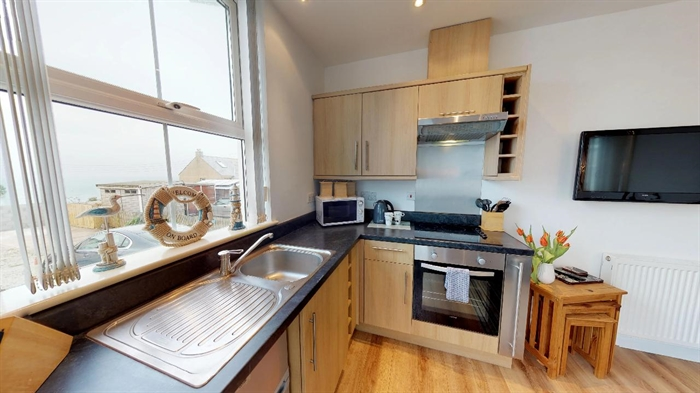 Holiday Home, Flat, 1 bedroom Property for sale in St Ives, Cornwall for £150,000, view photo 5.