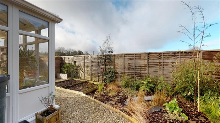 Detached Bungalow, 2 bedroom Property for sale in Redruth, Cornwall for £149,730, view photo 16.