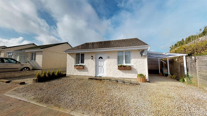 Detached Bungalow, 2 bedroom Property for sale in Redruth, Cornwall for £149,730, view photo 17.